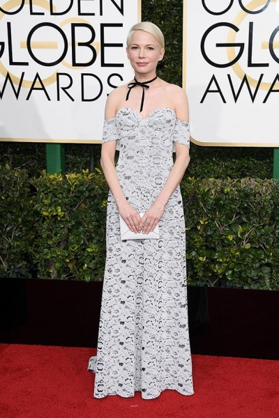 golden-globes-2017-all-the-looks-michelle-williams