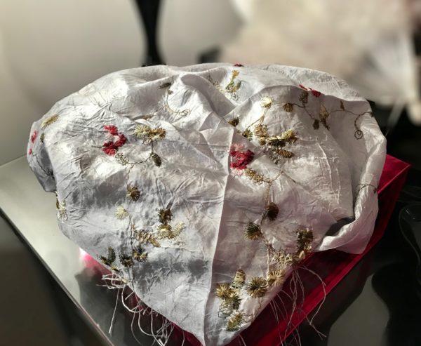 princesse-foulard-foulard-gris